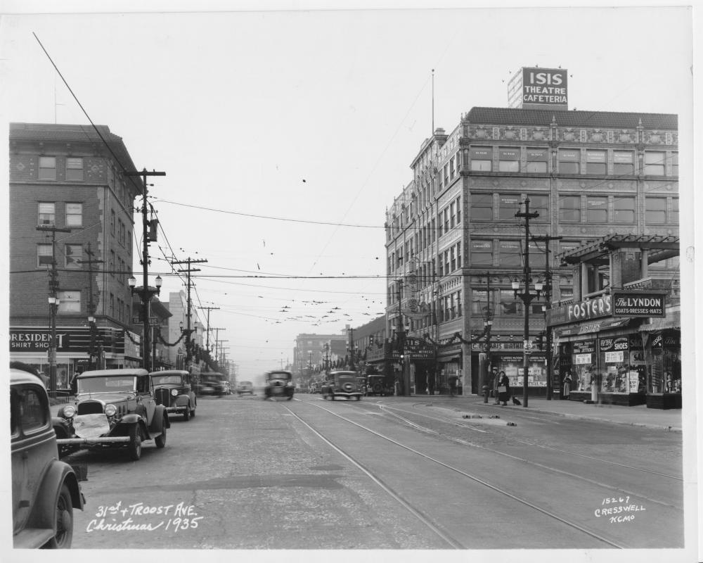 Troost Avenue at Christmas Time   The Pendergast Years